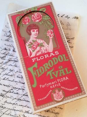 GAMMAL  PAPPASK - FLORAS FLORODOL-TVÅL